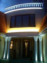 Проектиране и изграждане на фасадно осветление