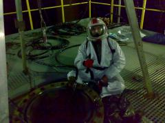 Товарене и разтоварване на промишлени катализатори
