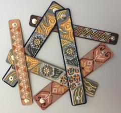 Декориране с перли , мъниста, кристали и камъни