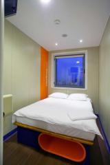 Стая Small в easyHotel Sofia